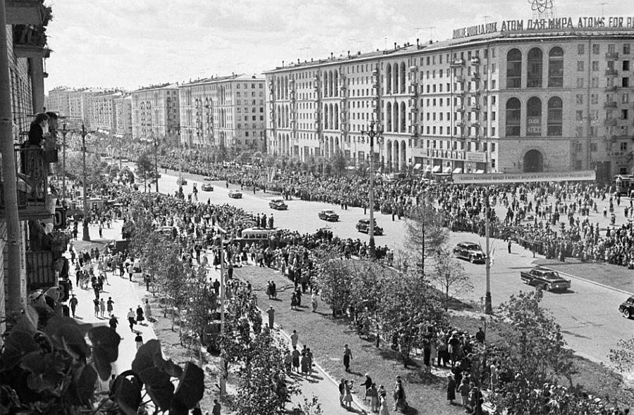 Кортеж Гагарина на Ленинском проспекте